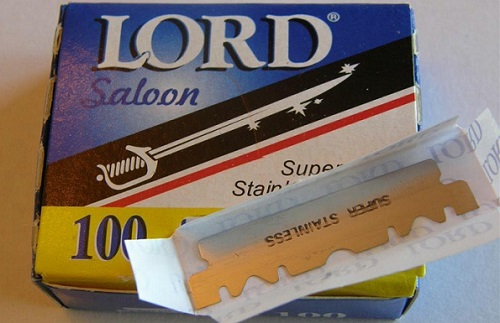 a package of LORD single edge razor blades