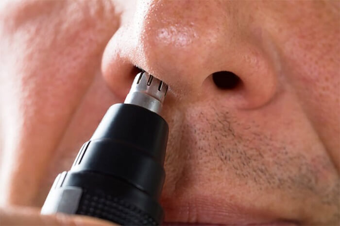 nose-hair-trimmer-for-men-closeup-face-nose