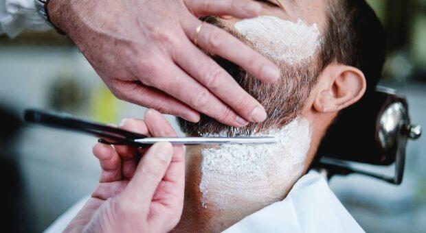 electric shaver vs razor - traditional shaving